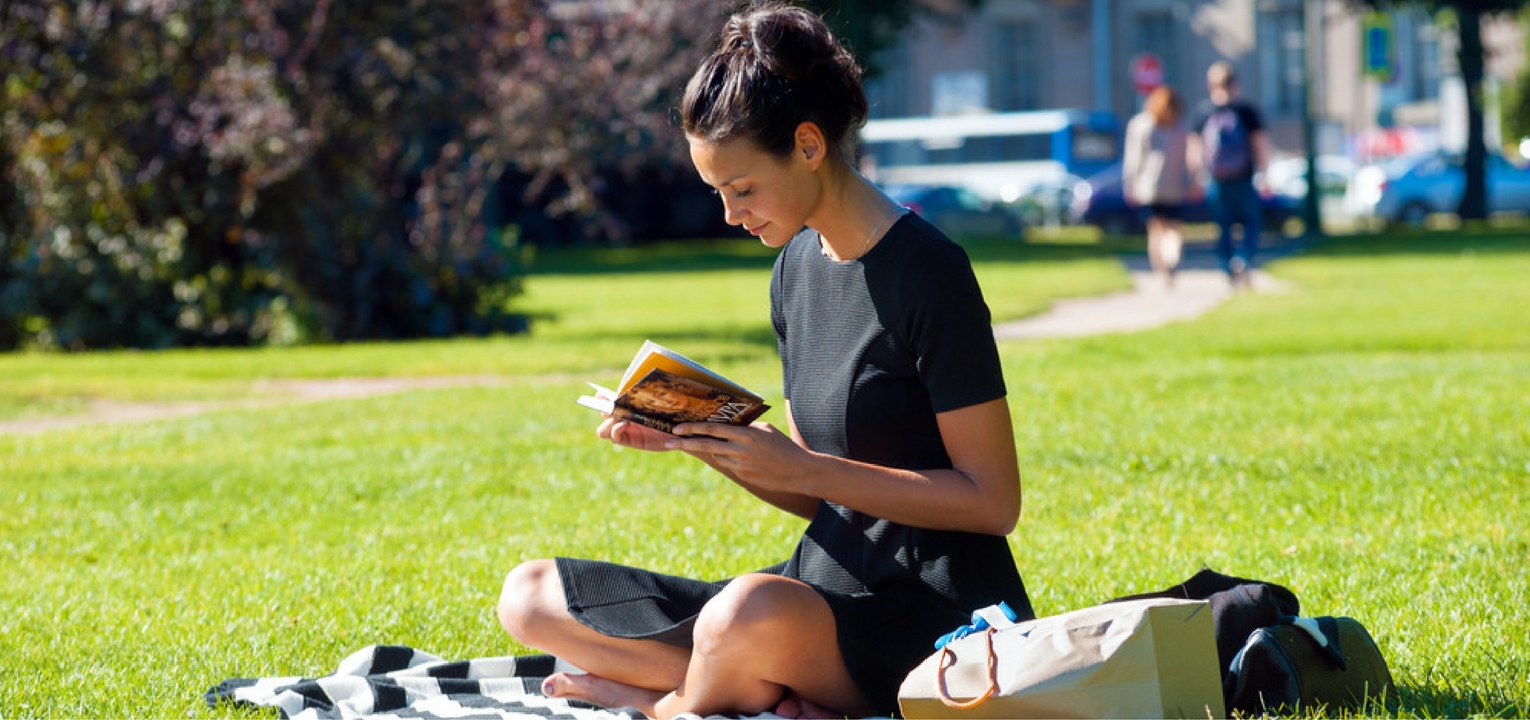 7 Unexpected Benefits of Being a Bookworm